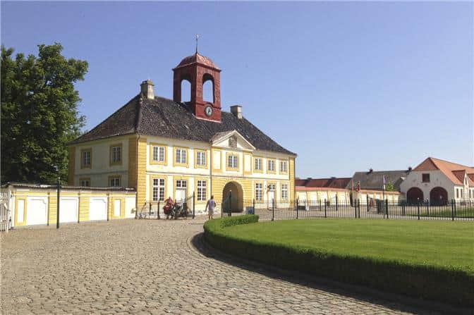Billede 1-3 Sommerhus M68011, Slotsalleen 100, DK - 5700 Svendborg