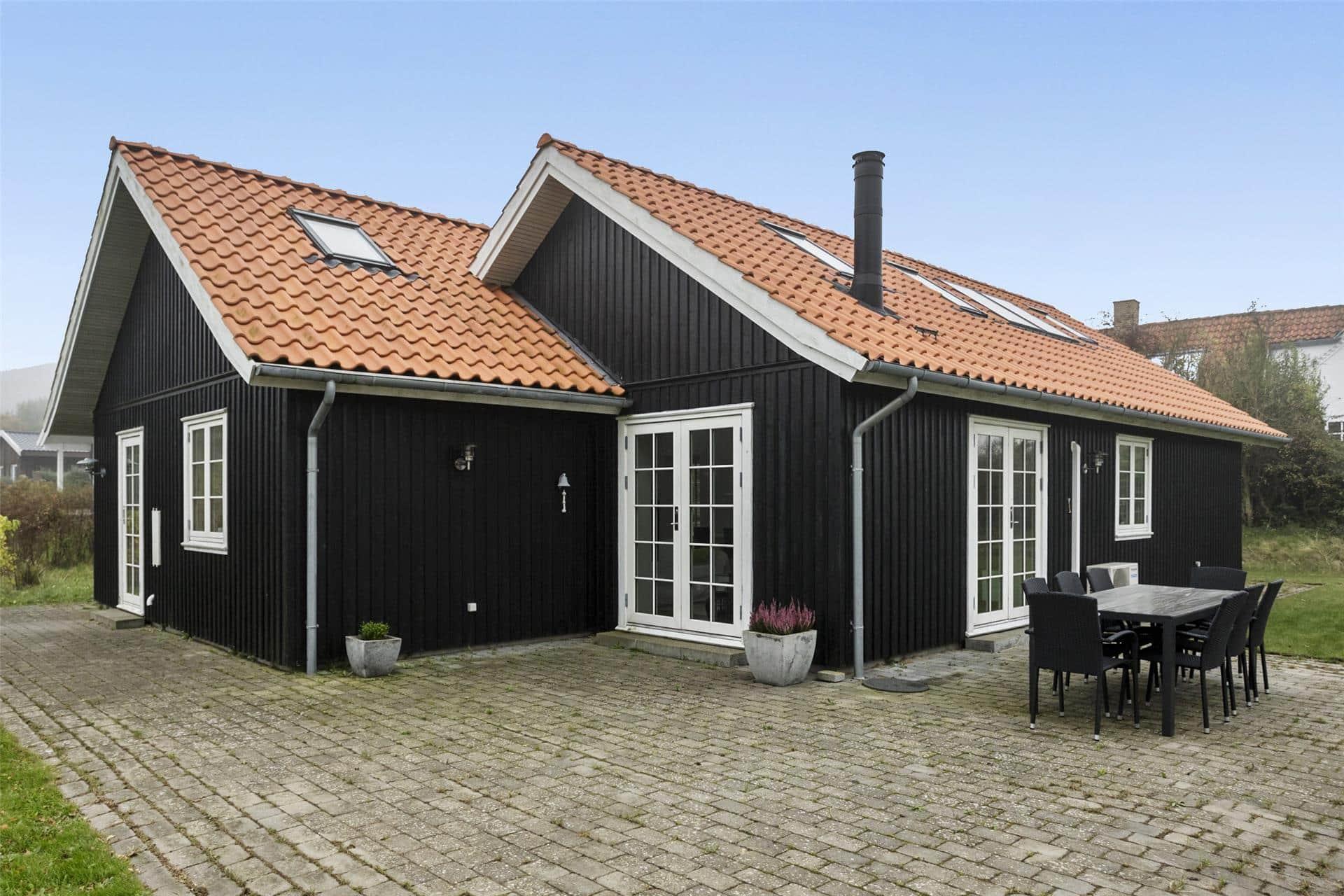 Bilde 1-17 Feirehus 16632, Kåruphøj 4, DK - 4540 Fårevejle