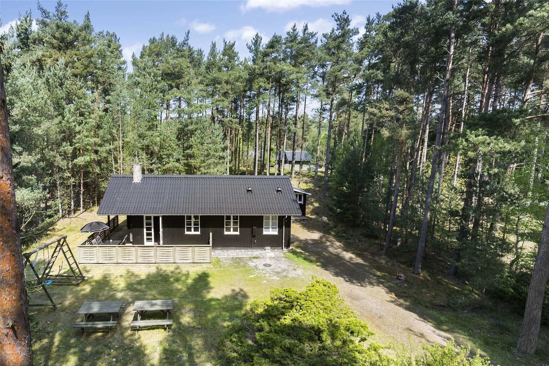 Billede 1-10 Sommerhus 1301, Fyrreskoven 11, DK - 3720 Aakirkeby