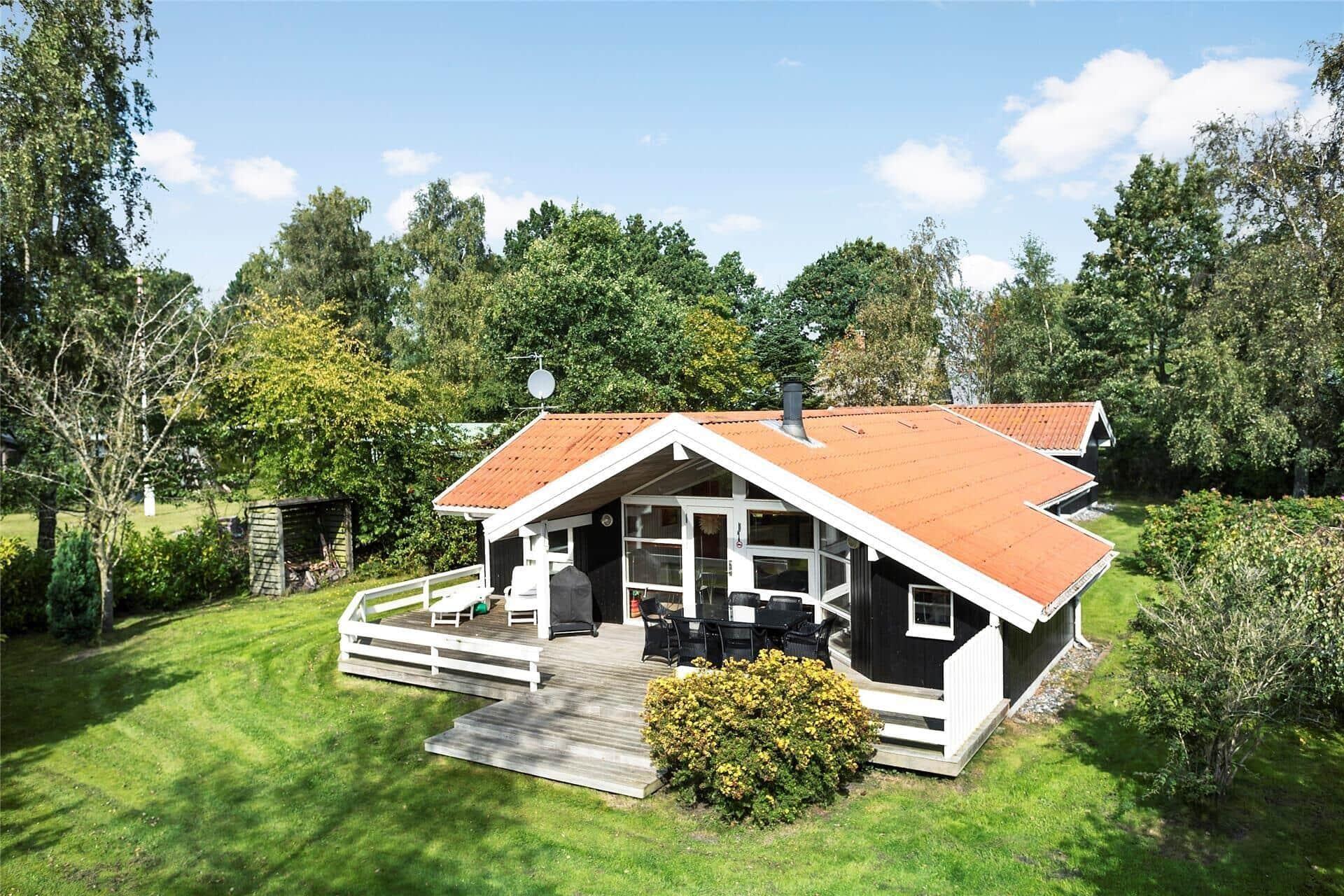 Billede 1-15 Sommerhus 1323, Fællesskov Strandvej 28, DK - 4780 Stege