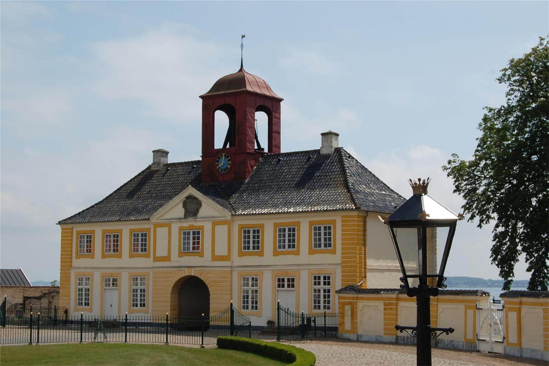Billede 1-3 Sommerhus M68010, Slotsalleen 100, DK - 5700 Svendborg