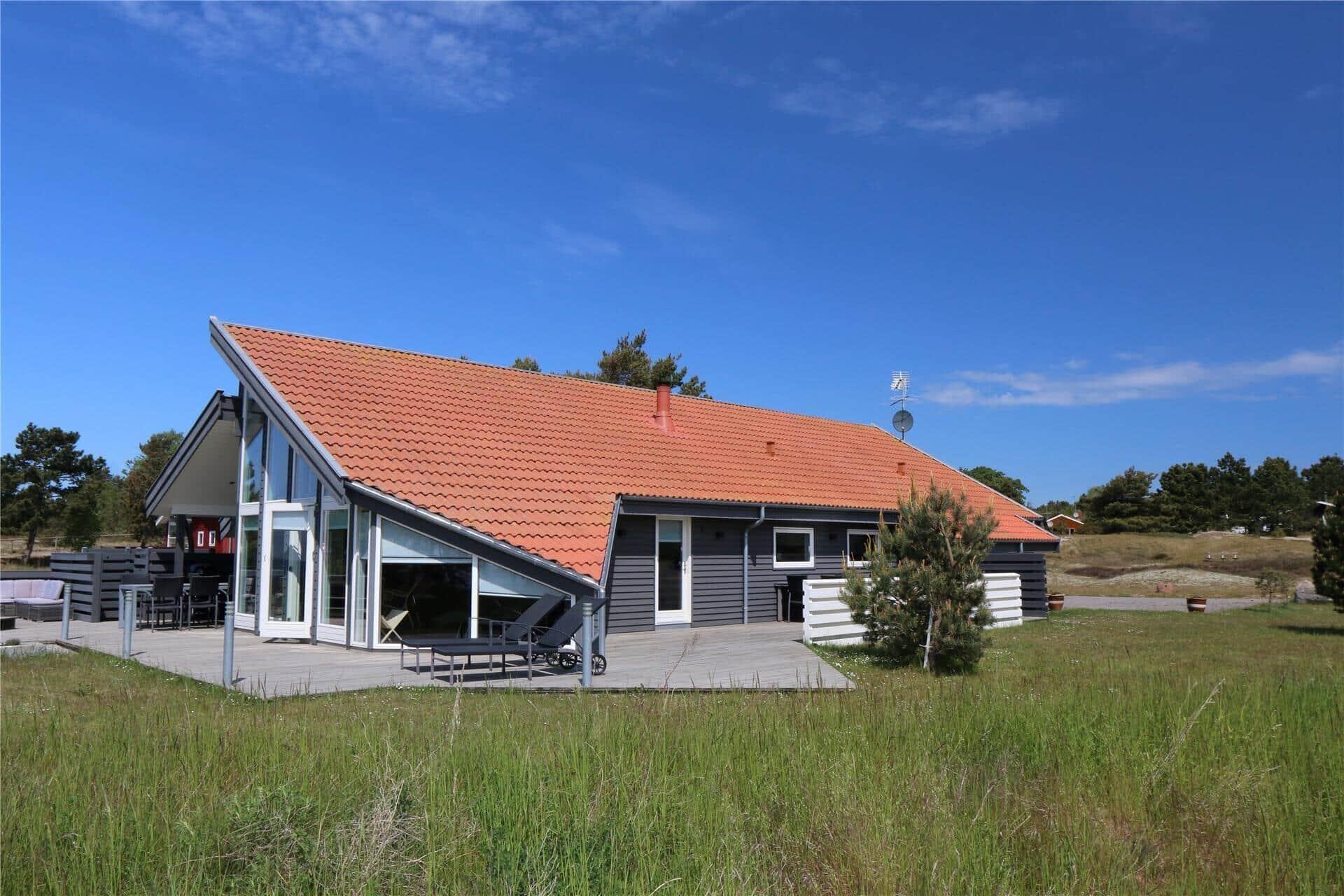 Image 1-10 Holiday-home 1405, Holsteroddevej 22, DK - 3720 Aakirkeby