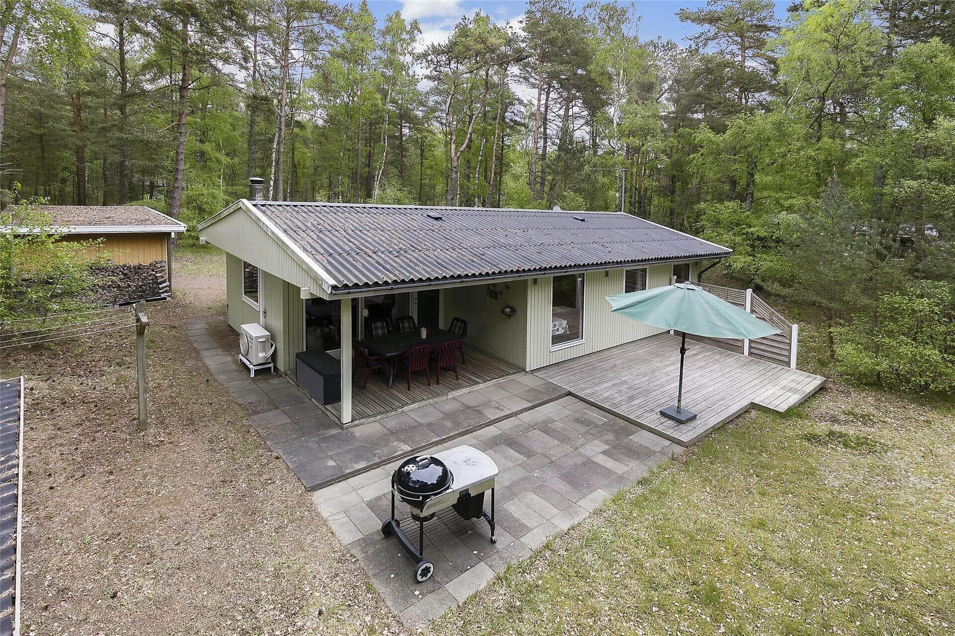 Billede 1-10 Sommerhus 2670, Fasanvej 12, DK - 3730 Nexø
